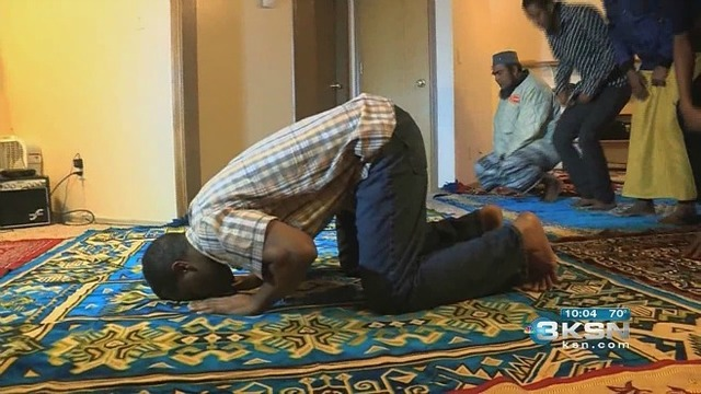 Somali community finds strength after a day of fear