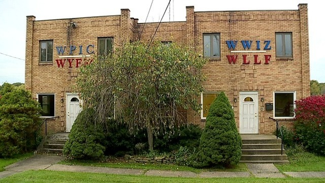 Broadcasters bid farewell to old radio building in Hermitage