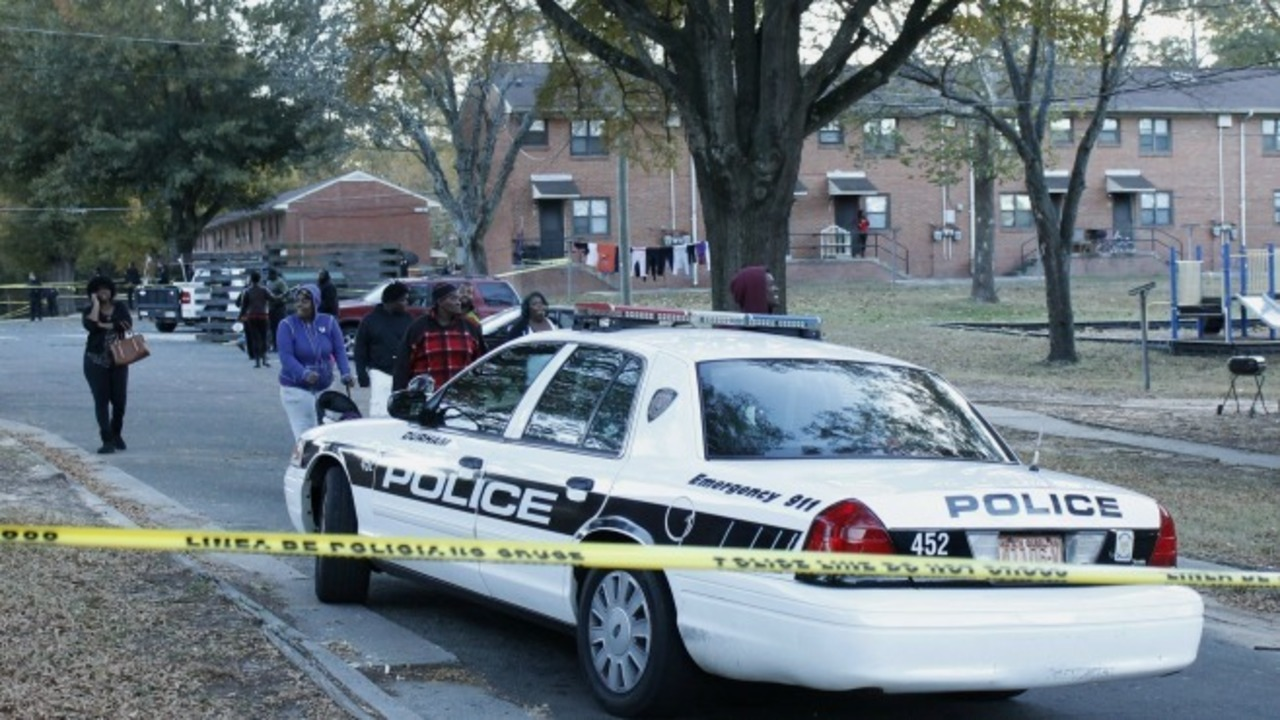 Chief: Man fatally shot in struggle with patrolling officers in NC ...