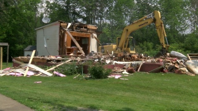 They Were Tearing Down Liberty >> Crews Demolish Home Of Liberty Murder Suspect