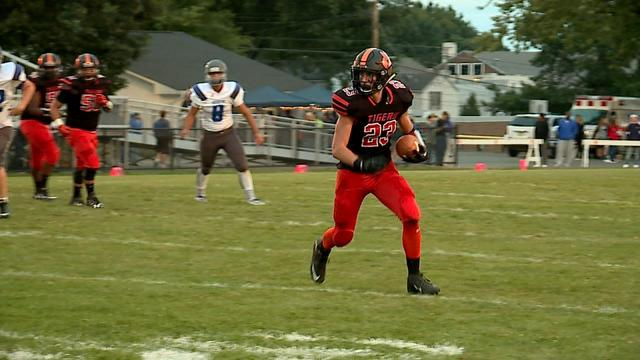 Voytik throws 5 TDs as Sharon downs Reynolds