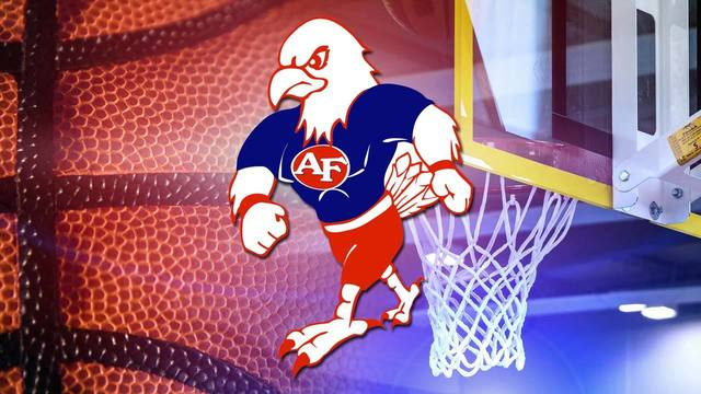 Fitch posts 1st win; Simons scores 17