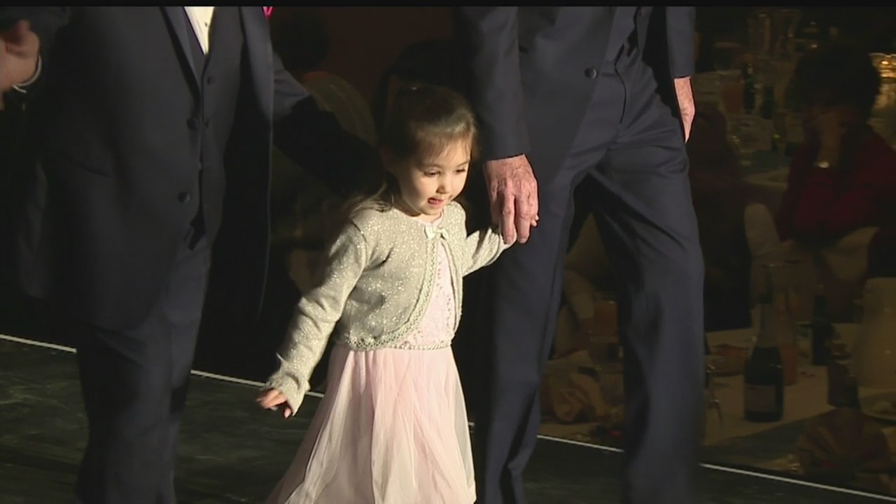 Charity fashion show at Warren luncheon features familiar faces