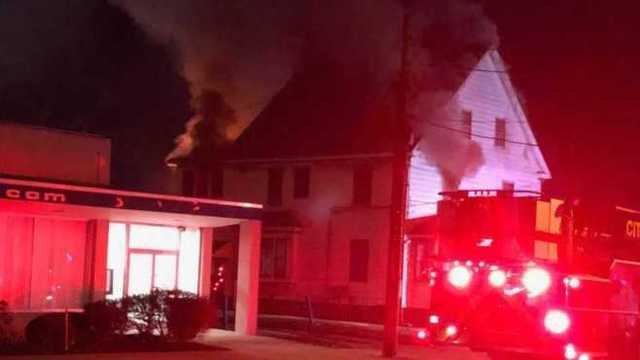 Girard officials looking for arson suspects in duplex fire