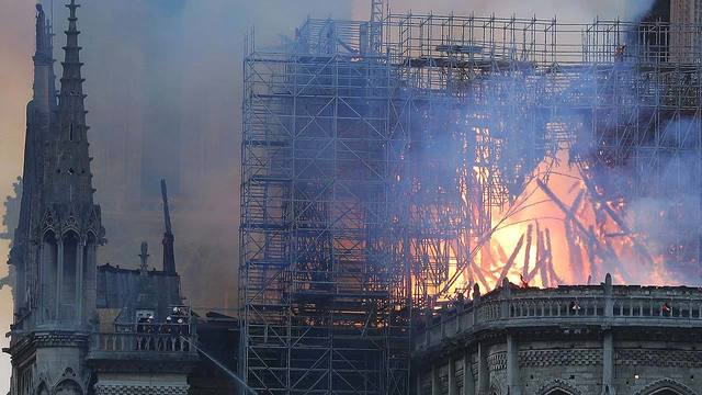 Fire at Notre Dame Cathedral 6